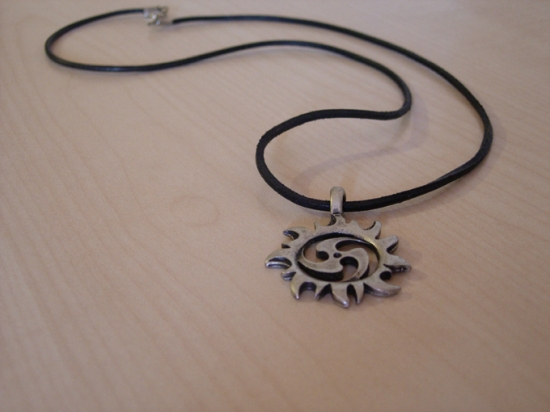 collier cuir homme tribal